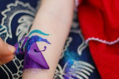 How to Do Your Own Glitter Tattoos | Tikkido.com