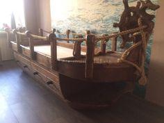Детская кровать под старину в виде корарбя - bed in the form of a ship,  rustic