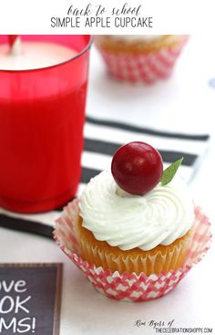 "Back To School – Simple ""Gumball"" Apple Cupcakes 