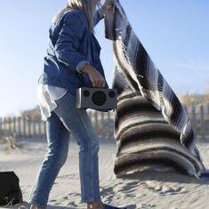 Un día de playa hoy ¿por qué no? luce el sol 🌞, no hace demasiado frio... venga coge tu toalla y tu #altavoz y ¡a disfrutar de la brisa marina 🌊!