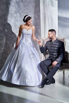 2fae62c759 Kati szalon - További bocskai menyasszonyi ruhák és vőlegény öltönyök  szalonunkban széles választékban!