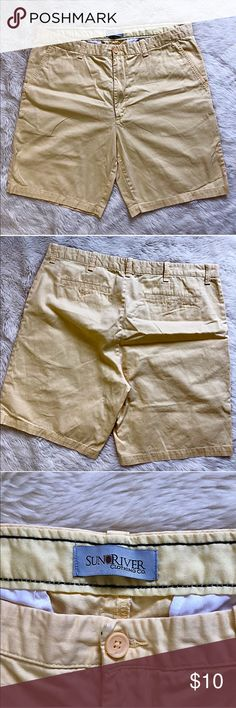 6fc12fec72 SUN RIVER CLOTHING Yellow Shorts Men's shorts in pastel yellow. Sun River  Clothing Co