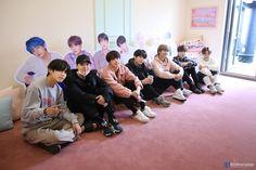 BTS K Pop Wallpaper, Bts Aesthetic, Bts Facebook, Twitter Bts, Hip Hop, Bts Twt, The Scene, Fandoms, Entertainment