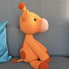 Ginnie the Giraffe Amigurumi Pattern Crochet Applique Patterns Free, Crochet Snowflake Pattern, Crochet Cat Pattern, Crochet Animal Patterns, Crochet Geek, Stuffed Animal Patterns, Crochet Patterns Amigurumi, Crochet Blanket Patterns, Giraffe Crochet