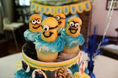Despicable cupcakes!!! Sooooo doing this.