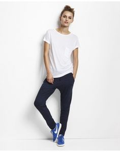 Love these pants! Danish Fashion, Style Me, Leo, Sporty, Street Style, Navy, Copenhagen, Pants, Outfits