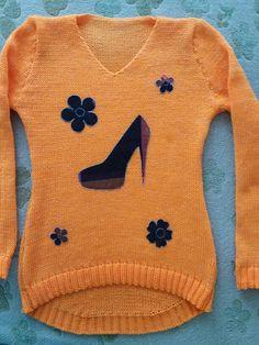 Buso  o saco en lana..color zahorí a con apliquez  en tela.