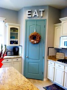 8 Pretty Pantry Door Ideas That Showcase Your Storeroom as a Star Tags: unique pantry door ideas painted pantry door ideas hidden pantry door ideas cool pantry door ideas creative pantry door ideas cute pantry door ideas corner pantry door ideas Painted Pantry Doors, Kitchen Pantry Doors, Kitchen Redo, New Kitchen, Kitchen Design, Kitchen Ideas, Kitchen Corner, Painted Doors, Kitchen Layouts