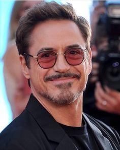 Image may contain: 1 person, eyeglasses, beard and closeup Hero Marvel, Marvel E Dc, Marvel Actors, Marvel Avengers, Robert Downey Jr., Iron Man Tony Stark, Downey Junior, Hollywood Actor, American Actors