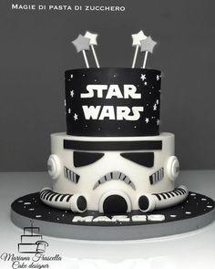 Starwars - Star Wars Cake - Ideas of Star Wars Cake - Starwars cake by Mariana Frascella Star Wars Birthday Cake, Novelty Birthday Cakes, 40th Birthday Cakes, 5th Birthday, Star Wars Cake Toppers, Star Wars Cupcakes, Bolo Star Wars, Star Wars Party Games, Aniversario Star Wars