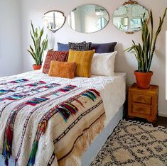 55 Totally Inspiring Bohemian Apartment Decor On A Budget apartment Home, Home Bedroom, Bohemian Bedroom Decor, Room Inspiration, Apartment Decor, Room Decor, Bedroom Decor, Bedroom Colors, Bedroom