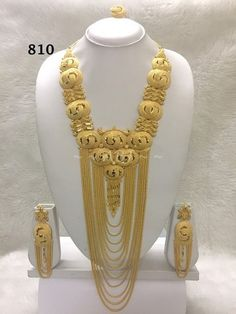 Ali baba Selani gold and diamond splyer Dubai. Gold Earrings Designs, Gold Jewellery Design, Gold Jewelry, Jewelery, Necklace Set, Gold Necklace, Afghan Clothes, Ali Baba, Gold Girl