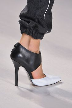 1dc0ae22b9 59 Best SHOES INSPIRATION images | Shoe boots, Shoes heels, Court shoes