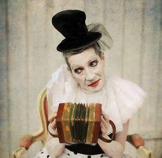 1X - Petite clown by Monika Vanhercke