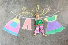 Mom Creates Beautiful Chalk Drawings On Her Driveway, Incorporating Her Daughter Into Each Of Them Pics) Chalk Drawings, Easy Drawings, Chalk Photography, Chalk Photos, Crayola Chalk, Sidewalk Chalk Art, How To Take Photos, Art For Kids, Street Art