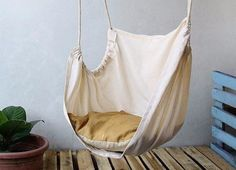 Who doesn't love hammock? Hammock is the perfect place to relax. Make your own hammock with these easy DIY projects below. Macrame Hammock YOU WILL N Chaise Diy, Diy Hammock, Hammocks, Indoor Hammock Chair, Hammock Ideas, Rope Hammock, Outdoor Hammock, Backyard Hammock, Indoor Swing