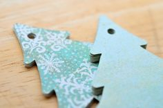 Green Snowflake Christmas Tree Tags, Set of 12, Gift Tag, Hang Tag, Labels, Packaging, Gift Wrap, Christmas Packaging, Holiday Tag by whoiamdesign on Etsy