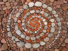 German artist Dietmar Voorwold creates beautiful land art installations using only natural materials found on location, like pebbles, rocks and leaves. Read on for Voorwold's interview with Demilked and to see his land art creations. Pebble Mosaic, Stone Mosaic, Pebble Art, Mosaic Art, Mosaics, Land Art, Art Et Nature, Deco Nature, Art Environnemental