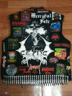 Thrash Back Patches Punk Rock Outfits, Punk Rock Fashion, Emo Outfits, Lolita Fashion, Fashion Boots, Style Fashion, Hard Rock, Rock Rock, Heavy Metal Patches
