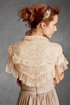 bridal bolero Vintage Inspired Wedding Dresses, Used Wedding Dresses, Filles Alternatives, Mode Mori, Vintage Outfits, Vintage Fashion, Boho Outfits, Lace Bolero, Bridal Bolero