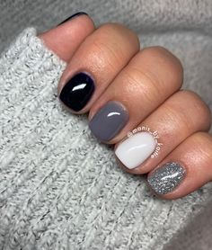 Sparkle Nails, Fancy Nails, Gold Nails, Cute Nails, Pretty Nails, Black Gel Nails, Black Manicure, Sns Nails Colors, Toe Nail Color