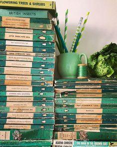 Beautiful green Penguin books / Penguin Editions / in the spirit of St. Rainbow Aesthetic, Aesthetic Colors, Aesthetic Green, Aesthetic Grunge, Terra Verde, Slytherin Aesthetic, Green Books, Colour Board, Go Green