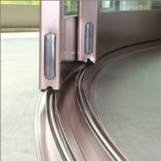 curved-track - westoaksglass