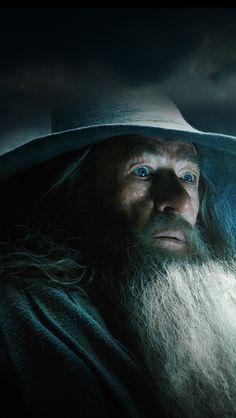Gandalf The Hobbit: The Desolation of Smaug Gandalf, Legolas, Sir Ian Mckellen, The Hobbit Movies, Desolation Of Smaug, Bilbo Baggins, Grey Wallpaper, Fantasy Movies, Jrr Tolkien