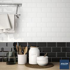 Black and white done right 👌🏻 nn#subwaytile #kitchendesign #interiordesign #kitchentile #walltile