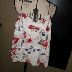 🍒Floral American Eagle Outfitters tank Crop tank floral, darling top on  Please ask any and all questions before purchasing this item. American Eagle Outfitters Tops Tank Tops