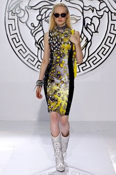 a8ffd94eb7d Versace Autumn Winter 2013 Ready-To-Wear show report