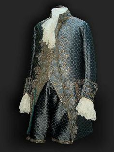 French Grand Habit fourth quarter of the Century by Reine des Centfeuilles, masterpieces inspired by the Century Rococo Fashion, Victorian Fashion, Vintage Fashion, 18th Century Clothing, 18th Century Fashion, Antique Clothing, Historical Clothing, Middle Ages Clothing, 18th Century Costume