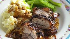 Learn how to roast pork belly with this simple step-by-step picture recipe - the perfect roast everytime Pork Joint Recipe, Pork Recipes With Sauce, Recipes With Oyster Sauce, Roasted Pork Belly Recipe, Pork Recipes For Dinner, Pork Belly Recipes, Roast Pork Dinner, Pork Roast, Pork Loin
