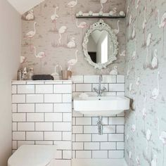 En-suite bathroom | Stylish Surrey home | House tour | PHOTO GALLERY | Style at Home | Housetohome.co.uk