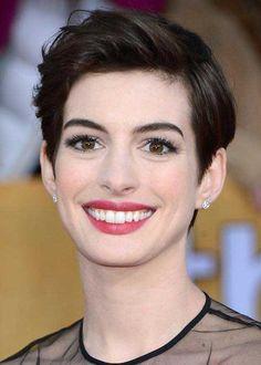 20 mejores cortes Anne Hathaway Pixie //  #Anne #Cortes #Hathaway #mejores #Pixie