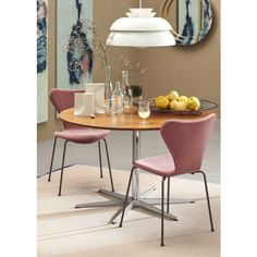 Soft, Italian velvet makes the fully upholstered Series particularly luxurious. Powder coated legs in Brown Bronze add nuance and subtle sophistication. Dining Area, Dining Chairs, Dining Room, Dining Table, Large Furniture, Furniture Styles, Furniture Design, Fritz Hansen, Bois Diy