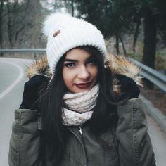 cozy winter portrait Cozy Winter, Winter Hats, Portrait, Inspiration, Fashion, Biblical Inspiration, Moda, Cosy Winter, Headshot Photography