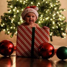 Your Christmas baby. View great tips to put your baby on the Christmas cards: www . First Christmas Photos, Christmas Photo Props, Xmas Photos, Babys 1st Christmas, Christmas Makes, Christmas Pictures, Christmas Fun, Birthday Girl Pictures, Baby Pictures
