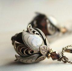 Flower earrings  van AmberSky op Etsy