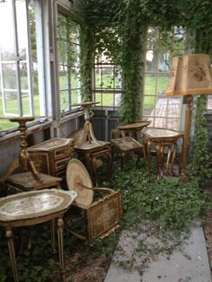 The Dove Cote vintage Italian trays and tables