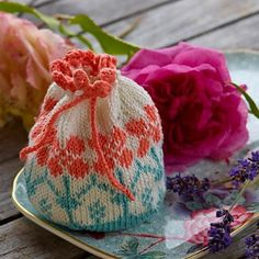 the colours are really pretty. Ravelry: potpourri bag pattern by Arne & Carlos