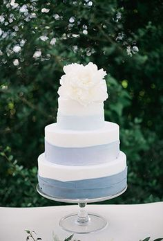ombre blue and white layered wedding cakes with white peonies for summer beach wedding ideas