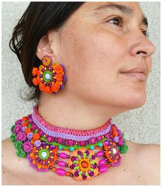 collar de mexicana frida kahlo collar collar grueso negrita Boho Jewellery, Textile Jewelry, Mexican Jewelry, Easy Stitch, Knitting Stitches, Lip Balm, Jewelry Crafts, Costume Jewelry, Hand Embroidery