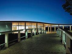 Casa do Baile - Conjunto de Pampulha Fonte: http://viagensinesqueciveis.wordpress.com/2013/05/22/conjunto-arquitetonico-da-pampulha-principal-cartao-postal-de-bh-com-muitas-novidades/
