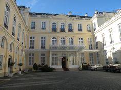Hôtel d'Estrées (1711-1713) 79 rue de Grenelle Paris 75007. Architecte : Robert de Cotte. Résidence de l'ambassadeur de Russie. Façade sur la cour d'honneur.