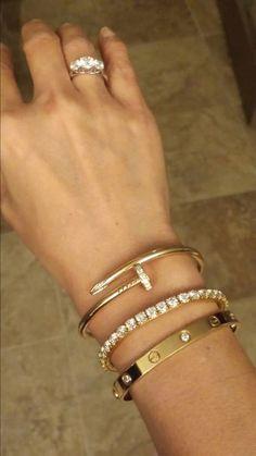 Jewelry Making Tools Cartier bracelets. Cute Jewelry, Gold Jewelry, Jewelry Box, Jewelery, Jewelry Accessories, Jewelry Design, Women Jewelry, Designer Jewelry, Diamond Jewelry