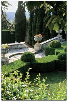 Tuscany: Gardens at the La Foce estate, created in the 1920s & '30s by British architect Cecil Pinsent