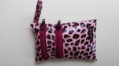 Nateltäschli, und viele andere selbstgenähte  Taschen und Täschli von mir :-) Gloves, Bags, Fashion, Handbags, Moda, Fashion Styles, Taschen, Fasion, Purse
