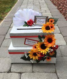 Card Box Wedding, Rose Wedding, Fall Wedding, Autumn Weddings, Country Weddings, Wedding Themes, Wedding Ideas, Sunflowers And Roses, Halloween Weddings