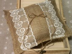 Personalized Ring Bearer Pillow Shabby Chic Rustic por Modern101